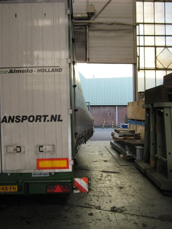 Transport met huifsemi